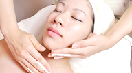 Step.6 美容成分たっぷりの美容液などでお肌を整えます
